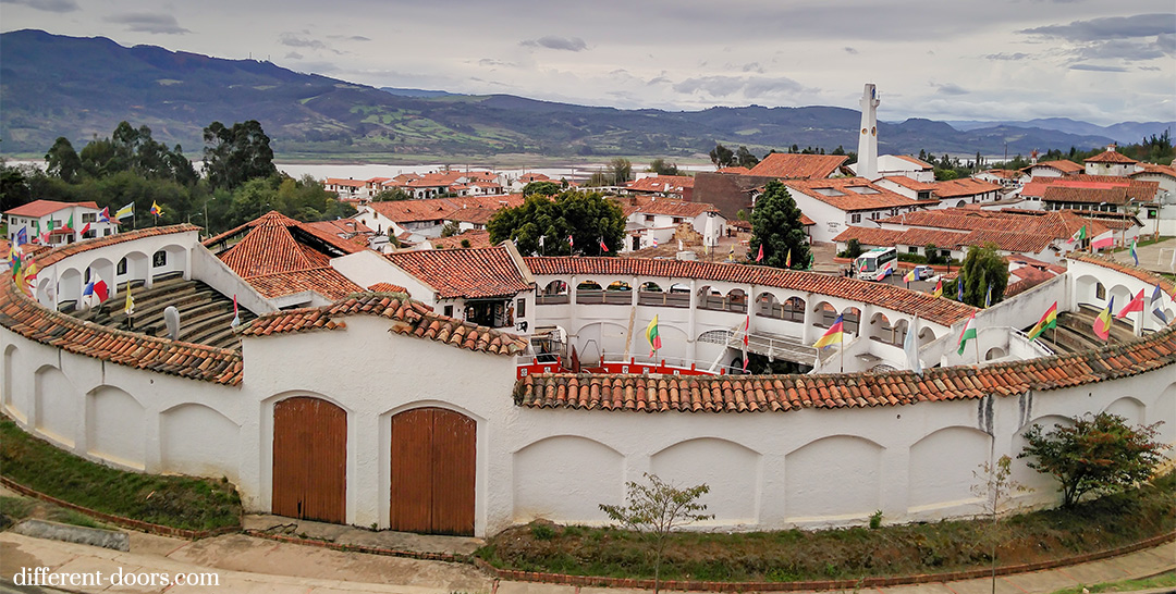 Guatavita, Colombia, Andes, South America, mountains, bullring, quaint