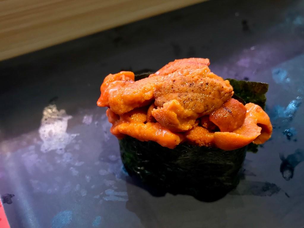 Sea urchin gunkan.