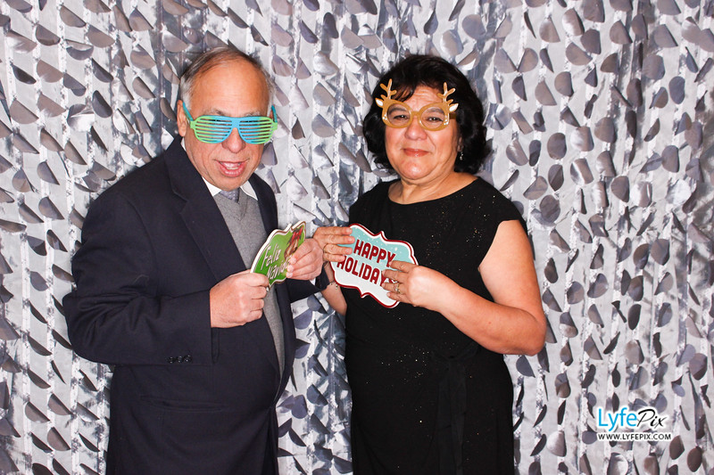 red-hawk-2017-holiday-party-beltsville-maryland-sheraton-photo-booth-0077.jpg
