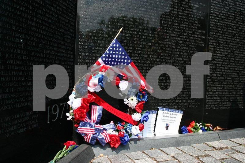 Vietnam war memorial 0951.jpg