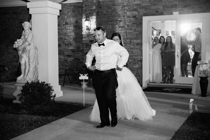 1083_Josh+Lindsey_WeddingBW.jpg