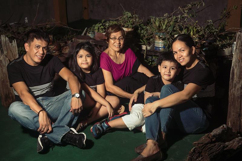 Velardes Family Portrait-13.jpg
