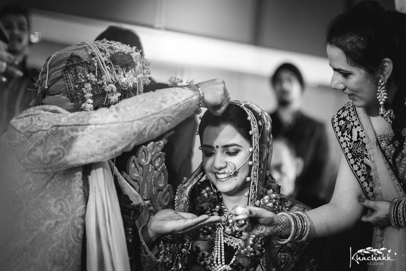 best-candid-wedding-photography-delhi-india-khachakk-studios_08.jpg