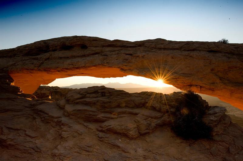 mesa-arch-arches-np-utah.jpg