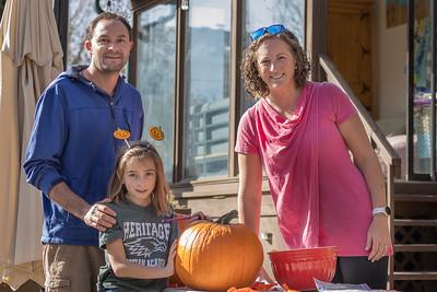 2020.10.31 Pumpkin Carving