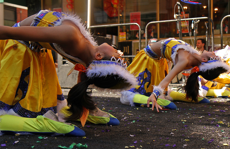 yellowdancerstwobackbendflick1600.jpg