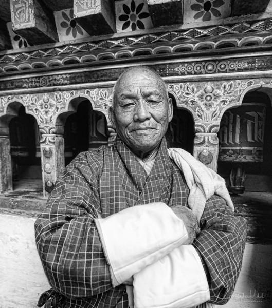 paro_zuri-dzong_rinpung-dzong_20120916_5768.jpg