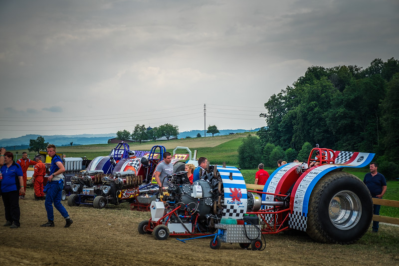 Tractor Pulling 2015 XE2-2549.jpg