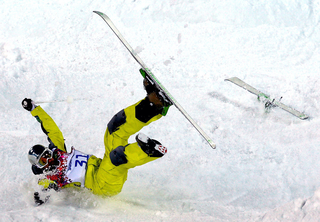 . Dmitriy Barmashov of Kazakhstan crashes during  the Freestyle Skiing Men\'s Moguls Qualification 1 at the Sochi 2014 Olympic Games, Krasnaya Polyana, Russia, 10 February 2014.  EPA/JENS BUETTNER