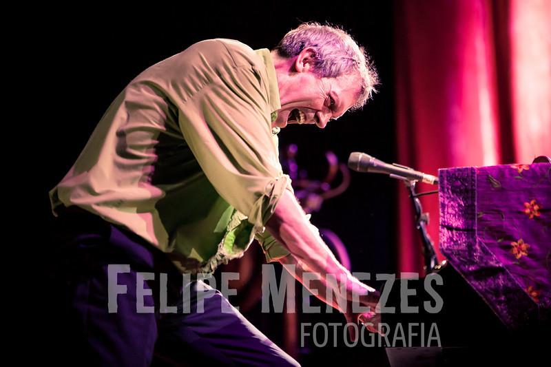 Hugh Laurie_Site_068.jpg