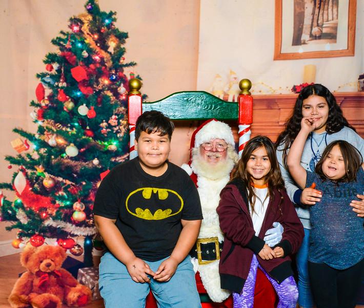 Santa Elmore 2016-12181.jpg