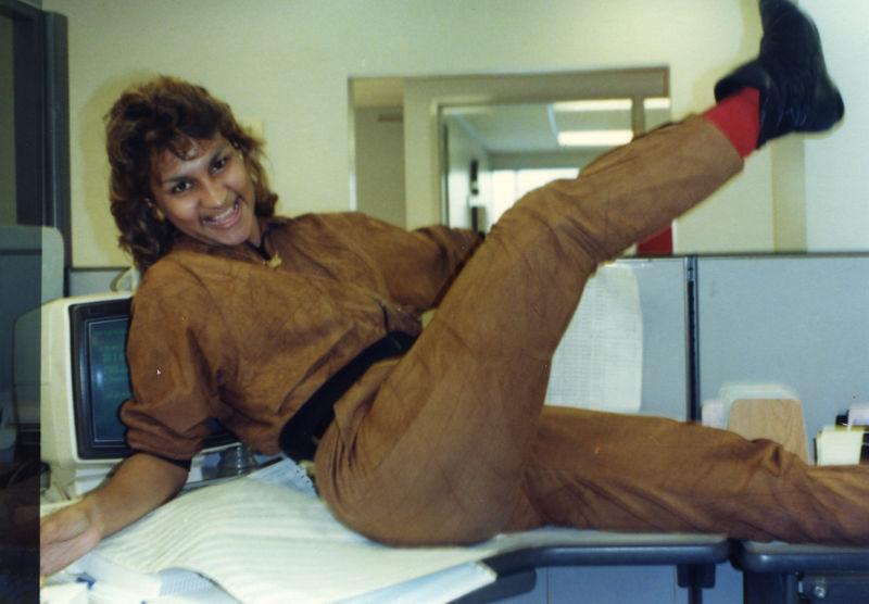 1987 12 15 - Seaman's Furniture 013.jpg