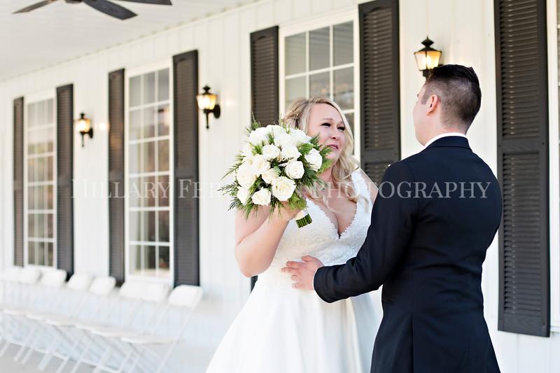 Hillary_Ferguson_Photography_Melinda+Derek_Getting_Ready372.jpg