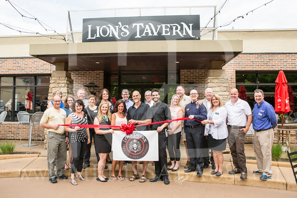 Lions Tavern Ribbon Cutting
