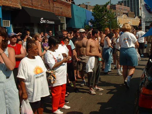 Pride Parade 2001-72-1.jpg