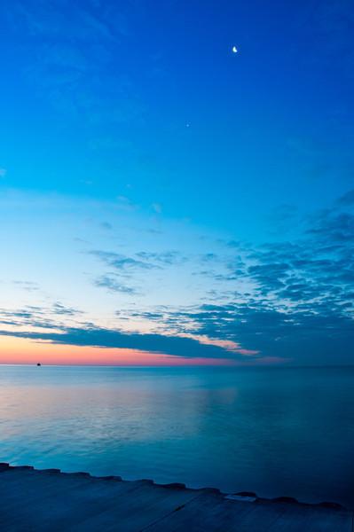 29th June '11 : Moon and Jupiter above Lake Michigan