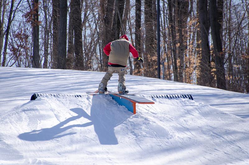 Snow-Trails-Rail-Jam-8105.jpg