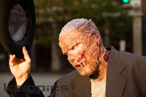 ZombieWalk2012131012150.jpg