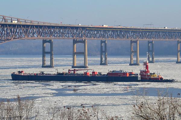 Jane A Bouchard / B  225 Newburgh-Beacon Bridge 1/15/14 11:38 hd hrs