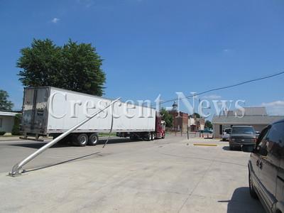 07-28-15 NEWS truck v. utility poles
