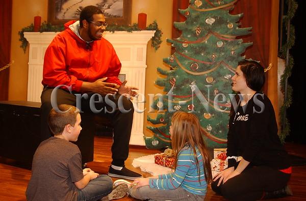 12-20-14 NEWS Night Before Christmas Workshop