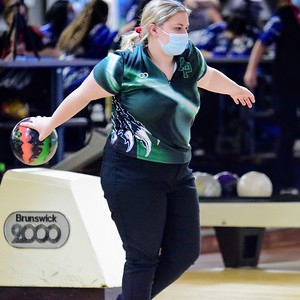 HS Sports - D2 Bowling Regional at Town N Country