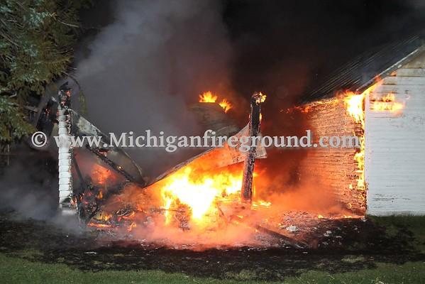 10/22/16 - Mason garage fire, 1841 Tomlinson