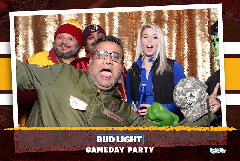 washington-redskins-philadelphia-eagles-football-bud-light-photobooth-20181203-204027.jpg
