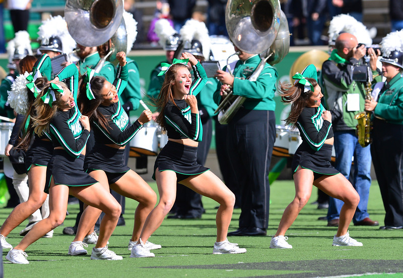 cheerleaders2910.jpg