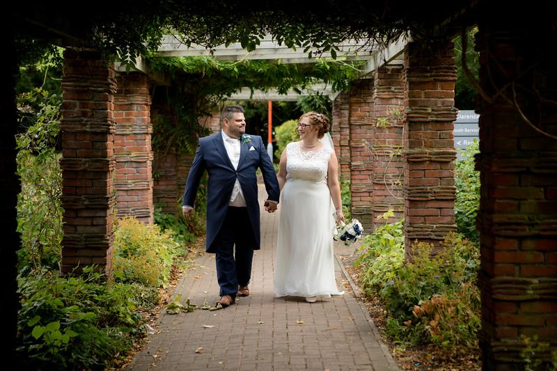 Mr and Mrs Lee-185.jpg