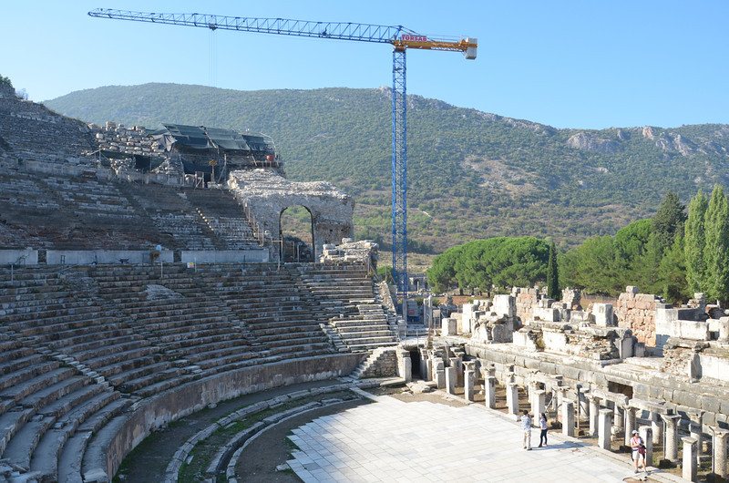 DSC_1771-theatre-crane.JPG