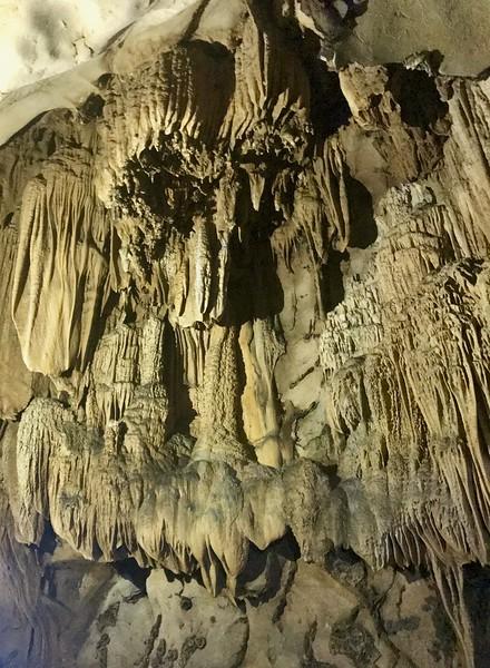 Trung Trang cave - Cat Ba island - Halong Bay
