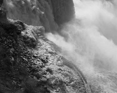 Black & White Niagara Winter