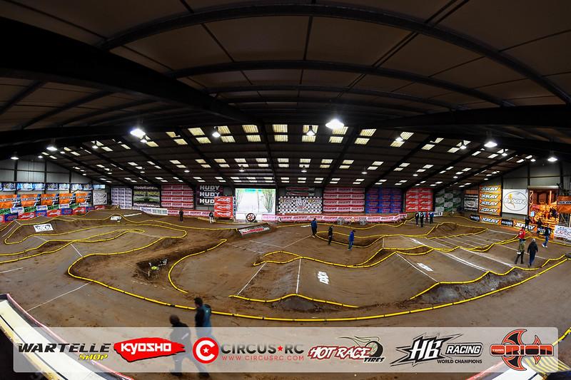 neo race track pits1.jpg