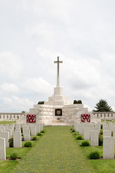 Ypres Tyne Cot Cemetery (42 of 123).jpg