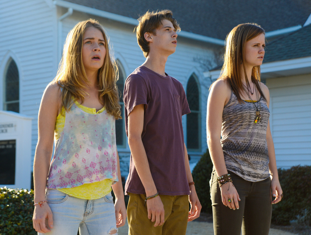 . The second season premiere of UNDER THE DOME, Monday, June 30 (10:00-11:00 PM, ET/PT) on the CBS Television Network. Pictured (L-R) Britt Robertson as Angie McAlister, Colin Ford as Joe McAlister and Mackenzie Lintz as Norrie Calvert-Hill (Photo: Brownie Harris/CBS)