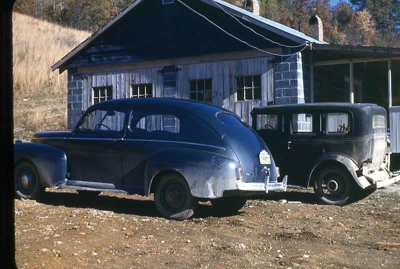 1947 Mt Washington Dining Hall and 2 cars