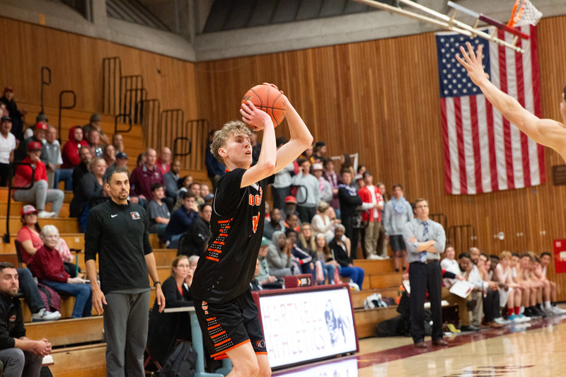 HMB Varsity Boys Basketball 2019-20-4.jpg