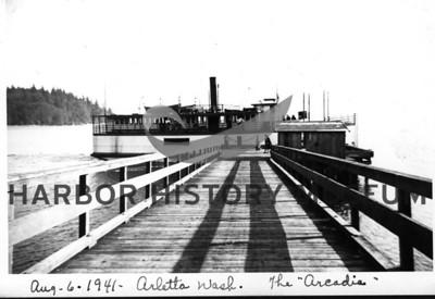 Boats: Steamboat-Arcadia-Ariel