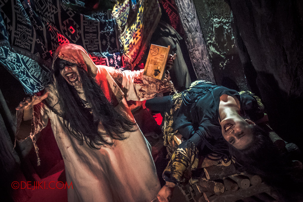 Halloween Horror Nights 7 Review - HEX haunted house / Ritual in progress