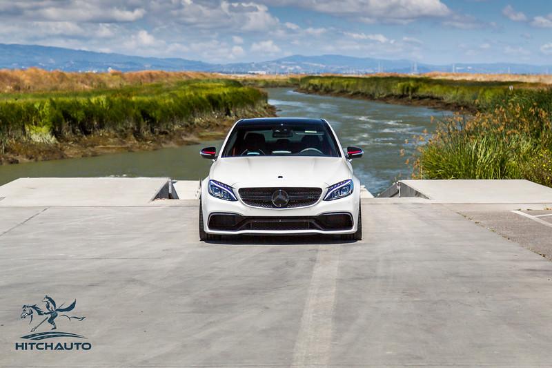 Mercedes_AMG__C63_White_7SRX097--3.jpg