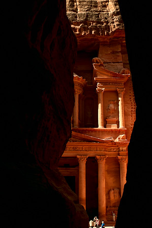 Entering Petra through the Siq