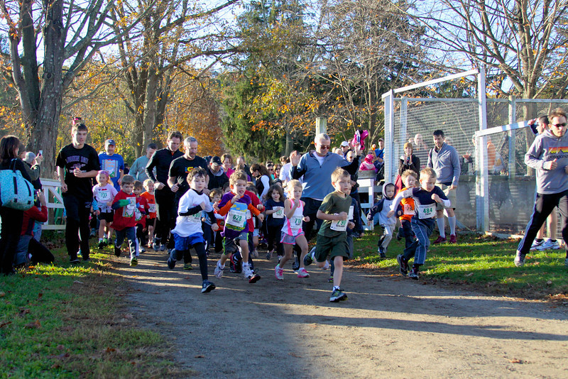 Start of Kids Run The Farm for 6 & under crowd. Photo by Mark Gordon.