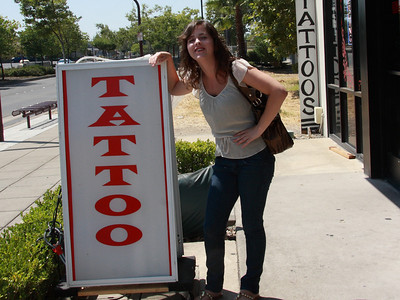 2009 Rachel almost gets a tattoo for her birthday!