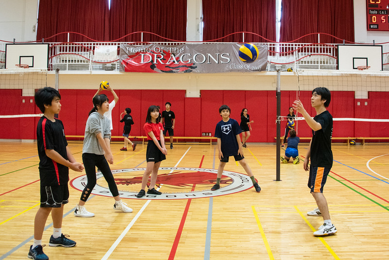PE Leadership-Gr12 and Gr6 Volleyball Workshops-YIS_2606-2018-19.jpg