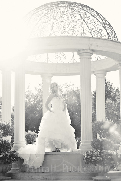 Stacy Bridals 17bw.jpg