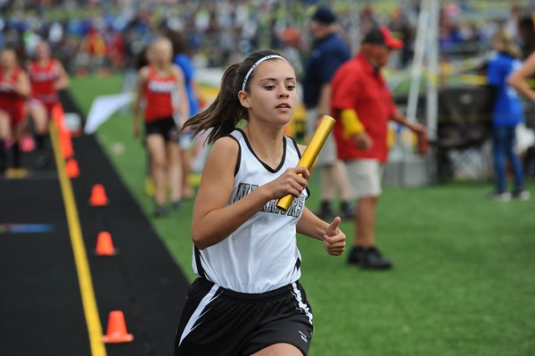D4 Girls' 4x800 Relay - 2018 MHSA LP T&F Finals