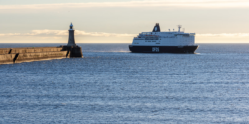 DFDS Ferry entering the Port of Tyne