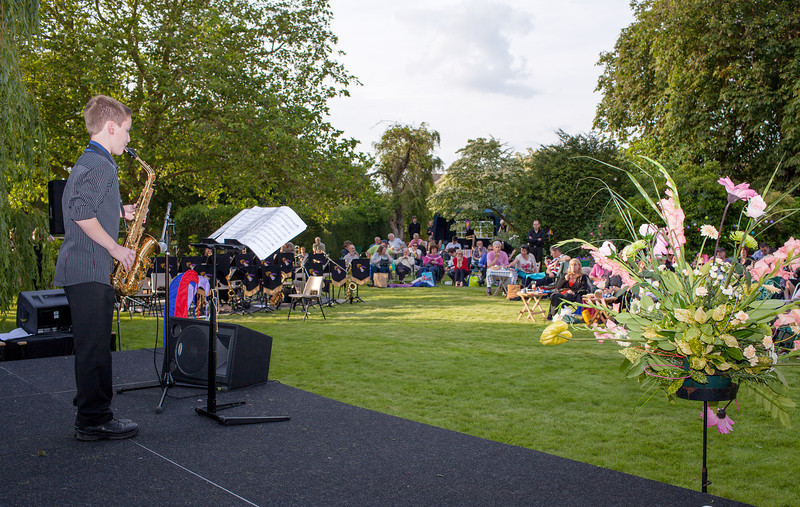Rob Burton at the Tina May concert in Grafham in_7623471912_o.jpg