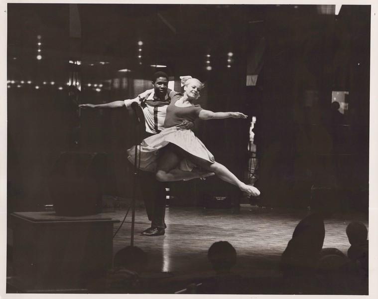 Dance_1232.jpg